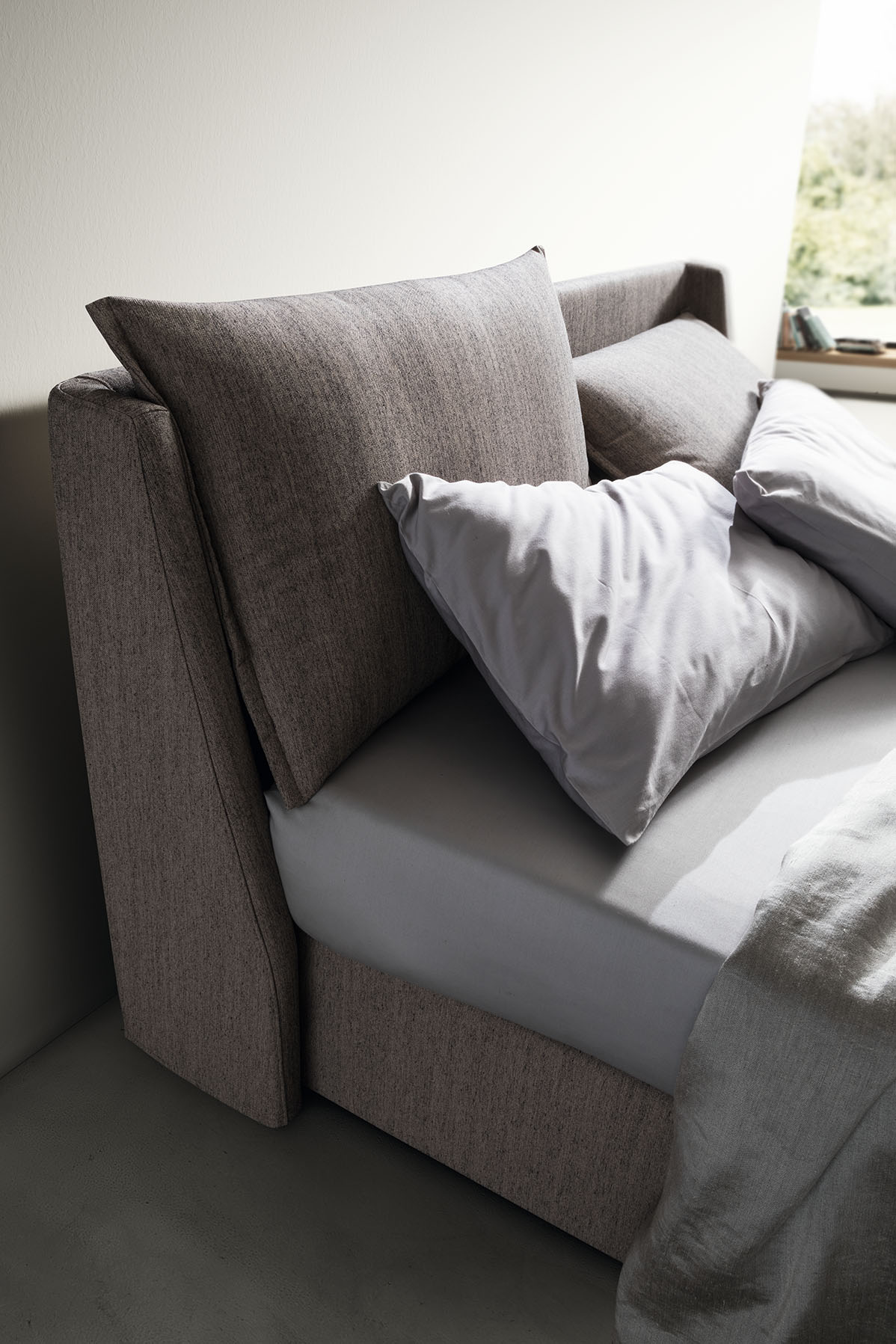 Oblazinjena postelja Dual