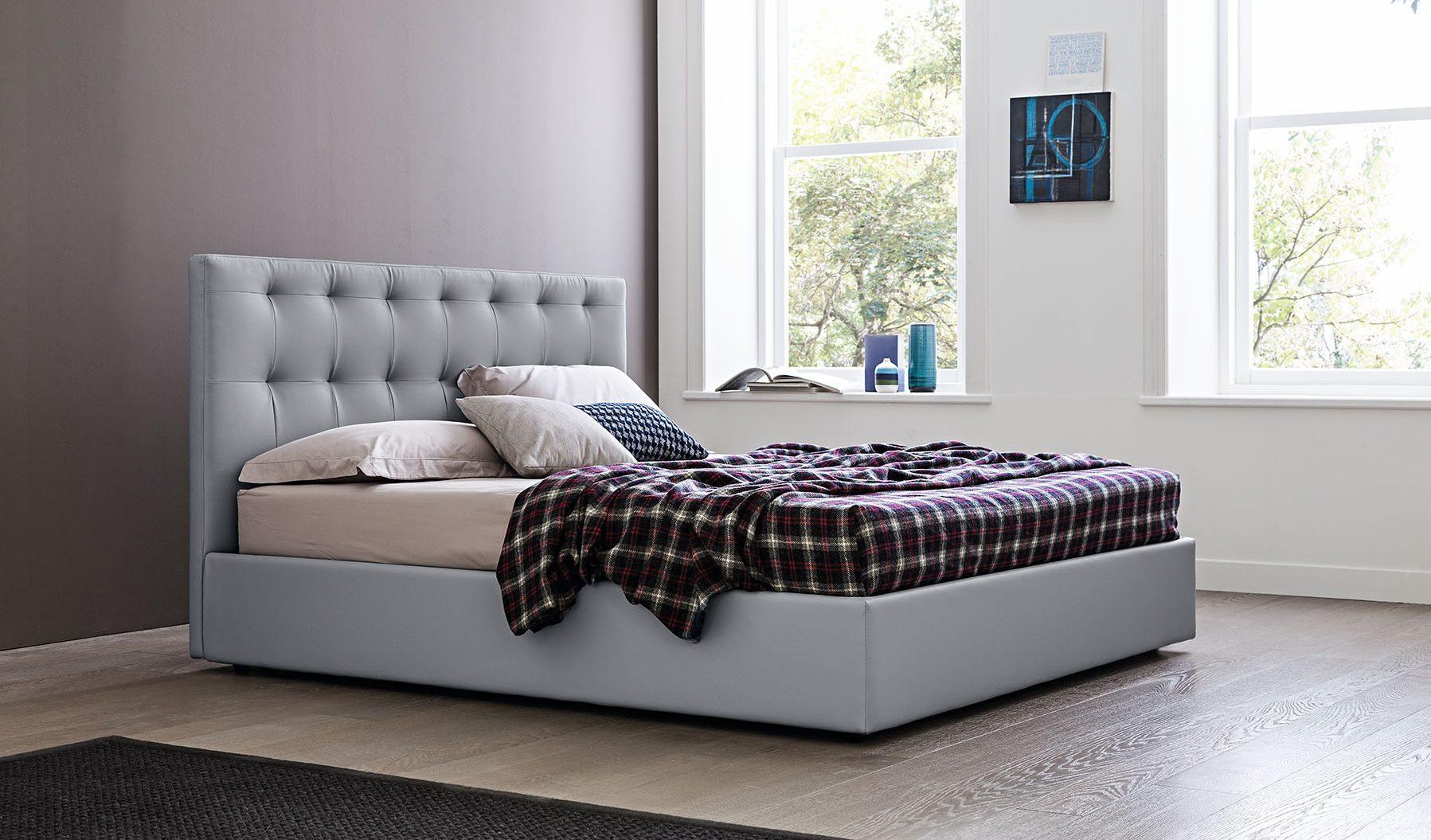 Oblazinjena postelja Maya