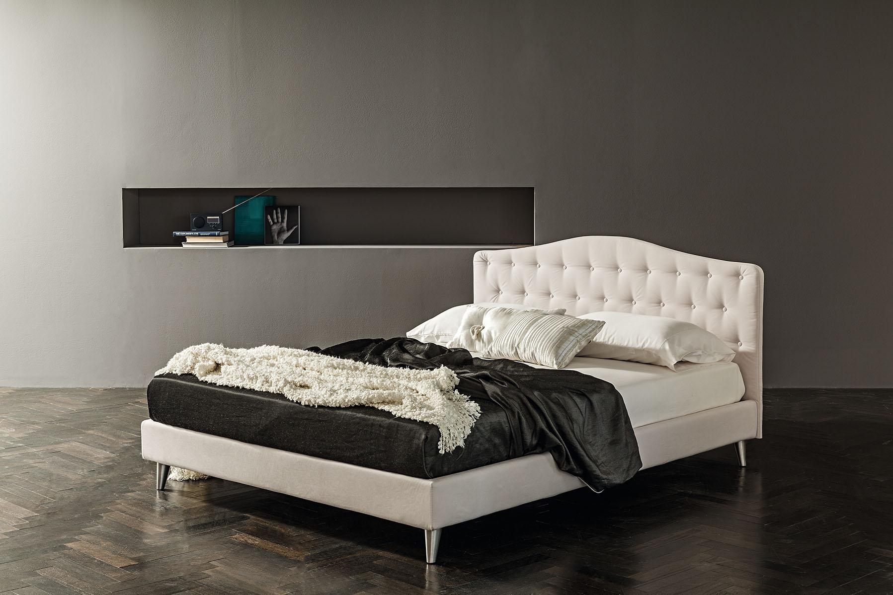 Oblazinjena postelja Prestige