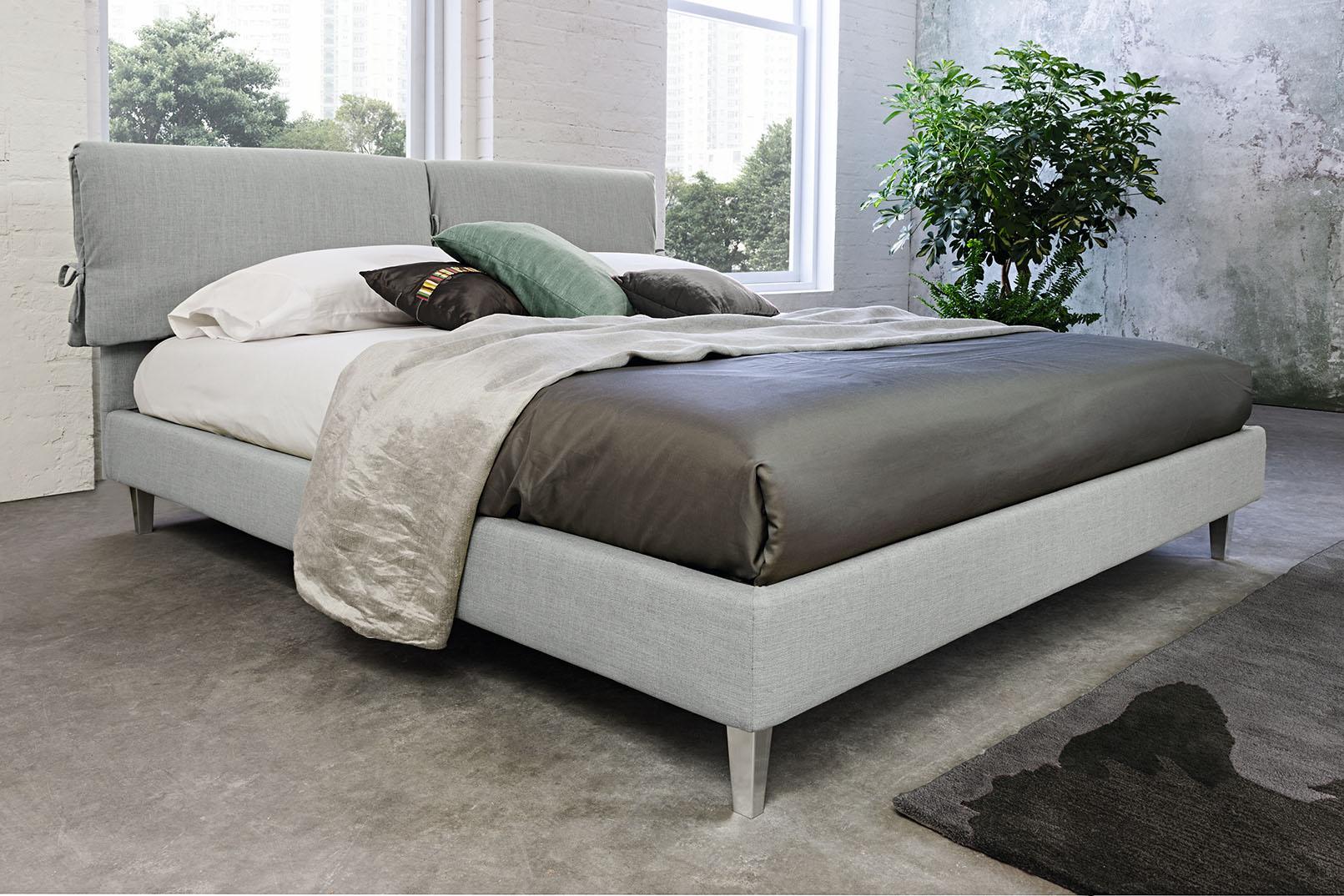 Oblazinjena postelja Rio