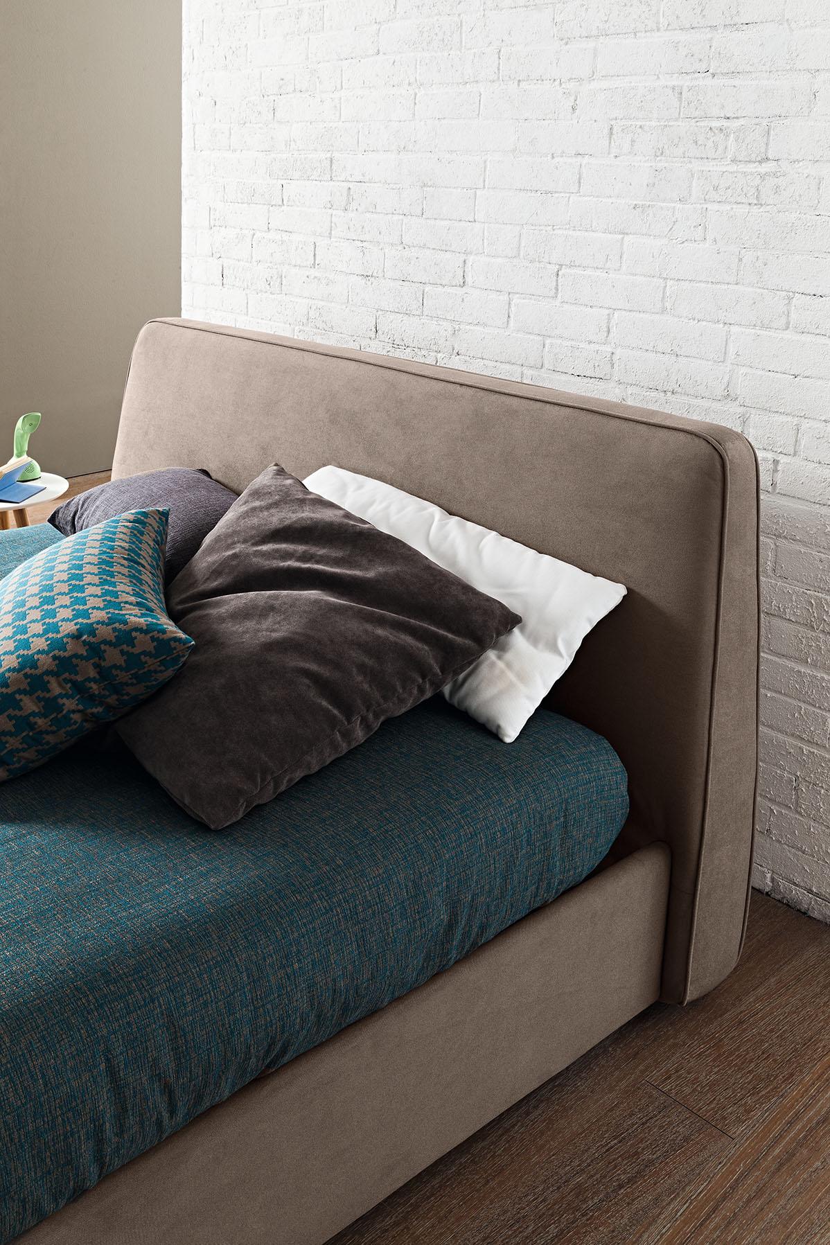 Oblazinjena postelja Sunny