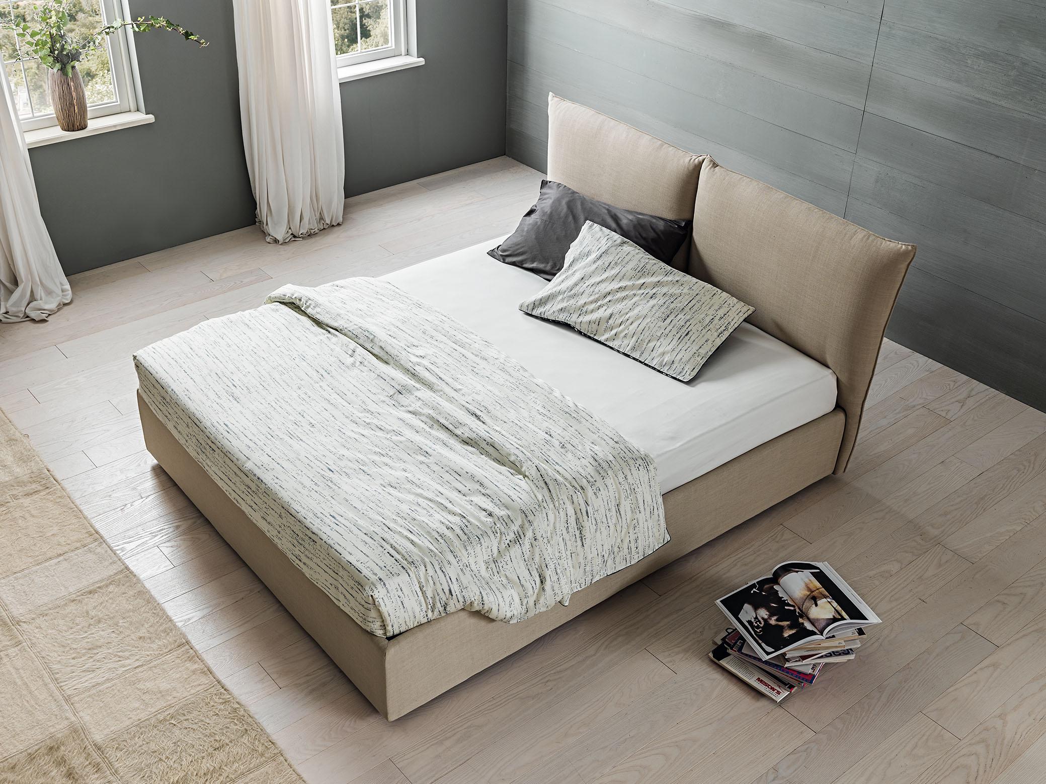 Oblazinjena postelja Web