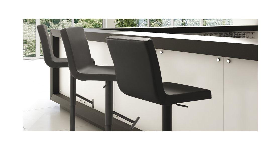 Barski stol Afro SG6