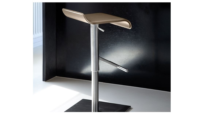 Barski stol Swing