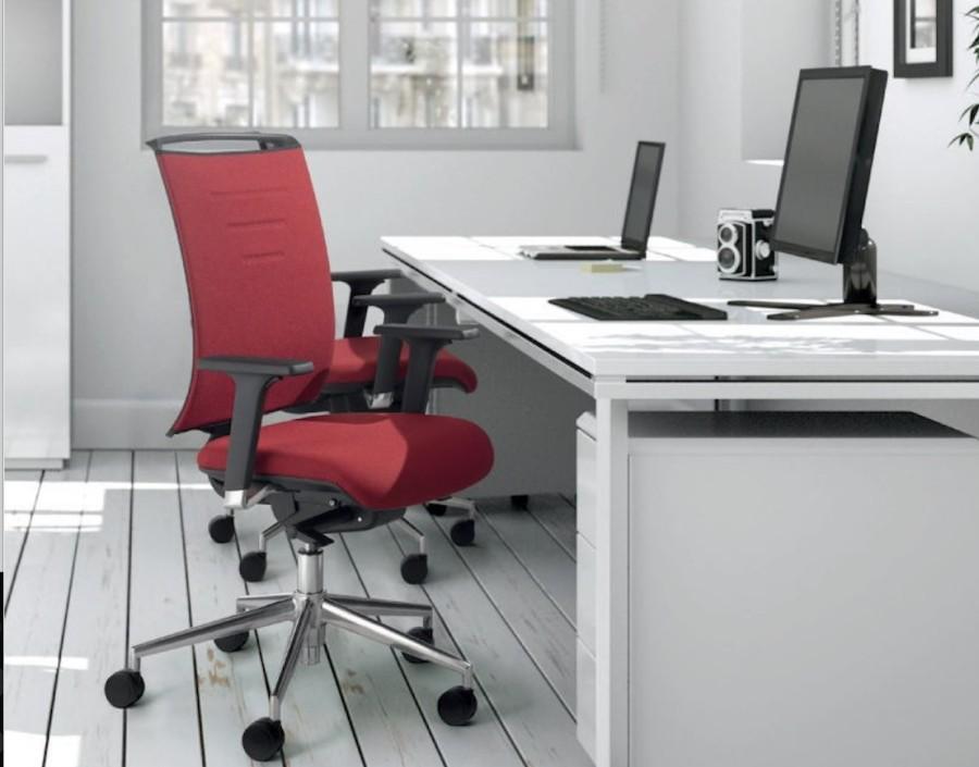pisarniški stoli ergonomski